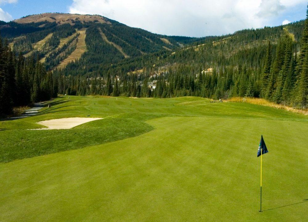 Summer-golf-green-1000x750-1000x720